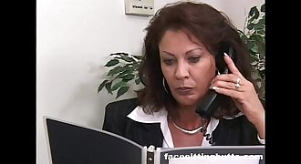 Boss lady evaluates her worker'_s cock at the office