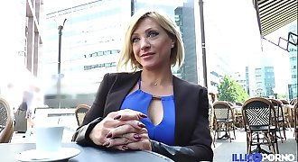 Lisa, belle milf corse, vient prendre sa double péné à Paris [Full Video]